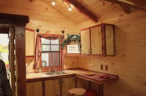 inside-kitchen-logcabin